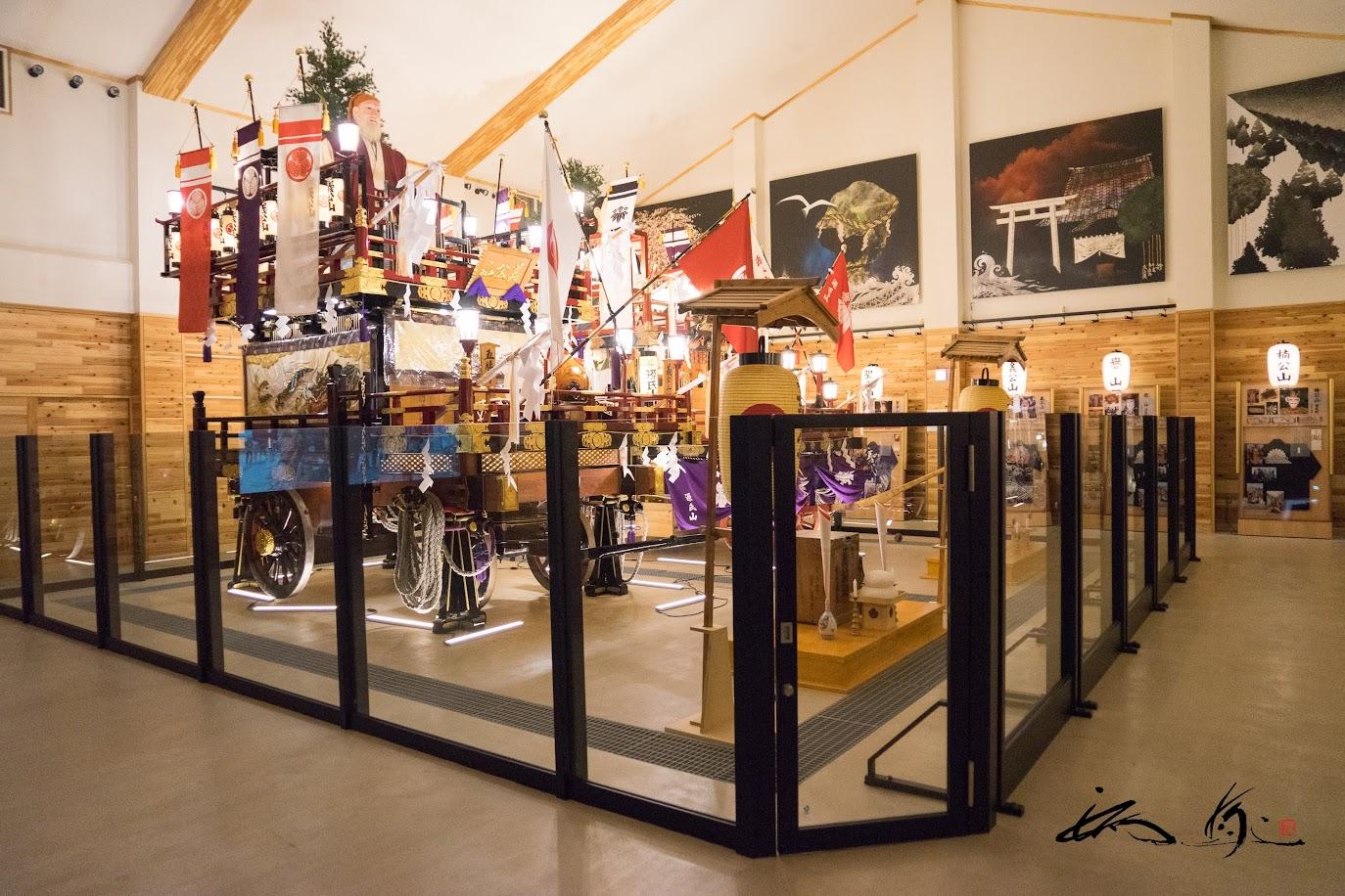 1年交代で常設展示されている13台の山車の内の2台