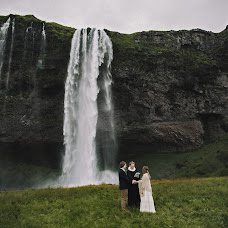 Wedding photographer Vitaliy Kurec (FROZEN). Photo of 19.04.2016