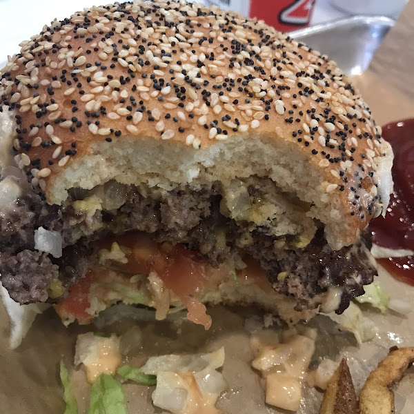 Mooyah double burger