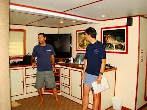Photo: #017-Shmulik et Pierre présentent le Deep See pour les plongées profondes.