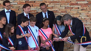 le-ruban-est-coupe-en-presence-des-membres-du-conseil-municipal-des-enfants-de-toussus-le-noblejpg
