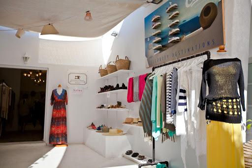 Selestina's-House-boutique-shop.jpg - Selestina's House, a boutique shop in Oia, Santorini.