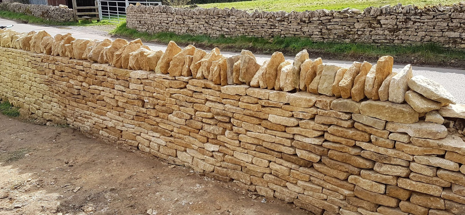 Dry stone wall built by Duncan Burnell in Cotswolds