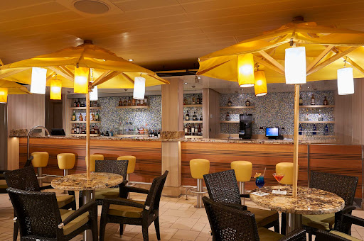 CCL_Horizon_Ocean Plaza_Bar_1275.jpg -      The Ocean Plaza Bar features live music and dancing every night on Carnival Horizon.