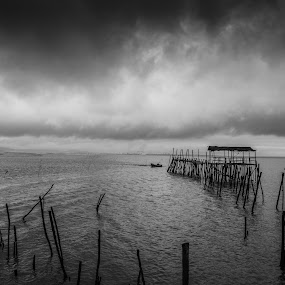 Cais Palafítico  by Anabela Henriques - Black & White Landscapes ( clouds, water, sky, black and white )