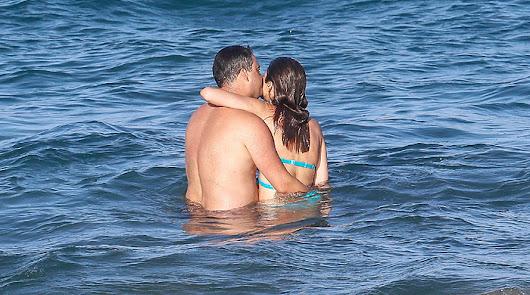 """Isabel Jiménez luce """"tipazo"""" en bikini en las playas de Almería"""