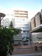 Photo: UADE is very large, and in the middle of the city, with dorms and a gymnasium