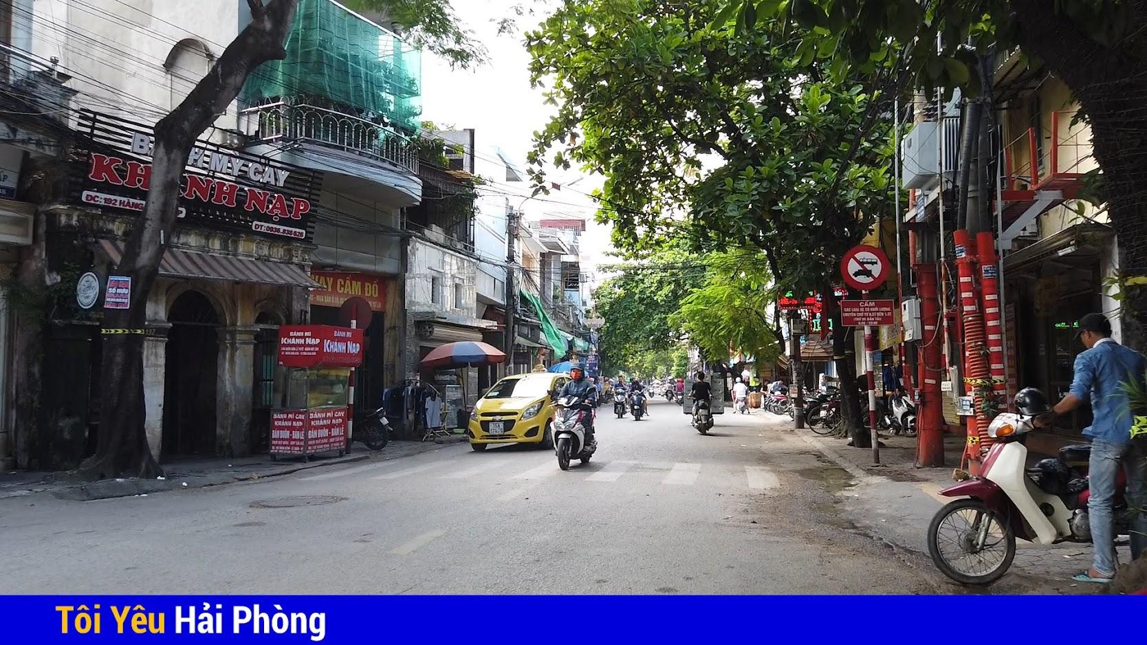 Bánh mỳ cáy Khánh Nạp nổi tiếng đường Hàng Kênh ở Hải Phòng 2