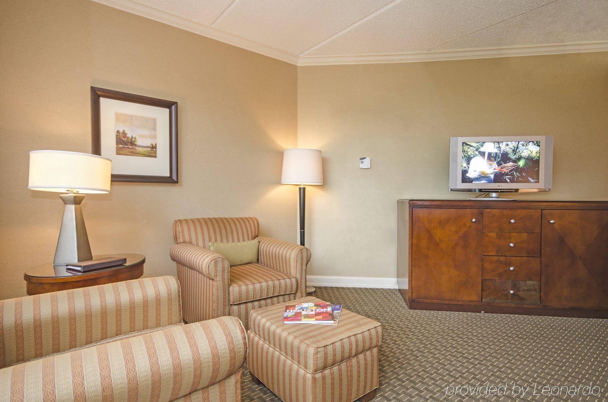 Omni Houston Hotel Westside Deluxe Room