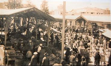 """Photo: """"Ankara Pazarı""""; Bu pazar şimdiki Çarşı Camii'nin bulunduğu yerde idi.. 1950 Öncesi..."""