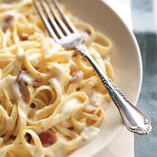 Creamy Bacon and Garlic Pasta