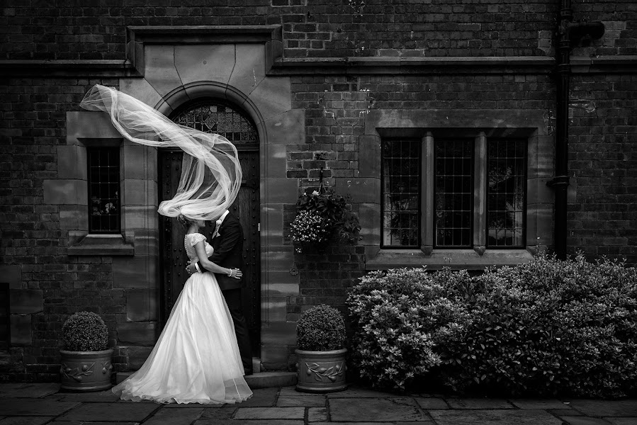 Wedding photographer Neil Redfern (neilredfern). Photo of 10.10.2016