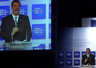 Photo: DAVOS/SWITZERLAND,26JAN01 - President of Mexico Vicente Fox gestures on the podium during the session 'Mexico - The Dawn of an Era: Special Message from Vincente Fox' at the Annual Meeting 2001 of the World Economic Forum in Davos, January 26, 2001. Byline: swiss-image.ch/Photo by Remy Steinegger NO RESALES, NO ARCHIVES