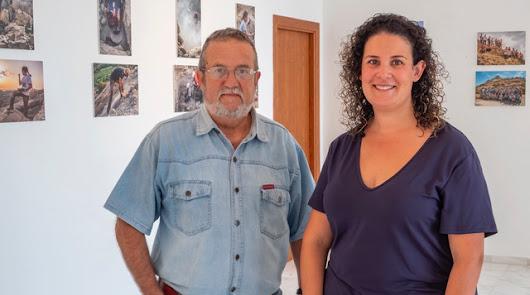 Emilio Aramburu expone sus fotografías de la excavación de Mojácar la Vieja