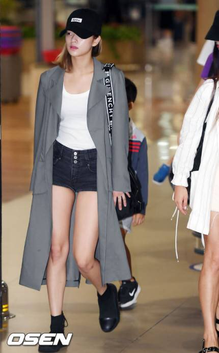 jeongyeon legs 30