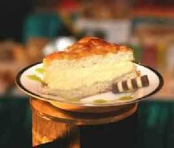 Bienenstich Cake [bee Sting Cale]