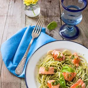 Fresh Salmon Spaghetti with Pesto Sauce