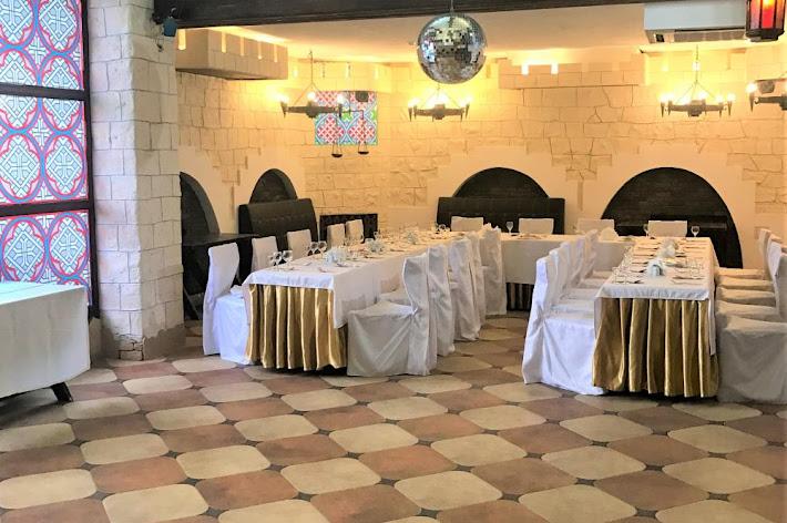 Фото №2 зала Подворье замка