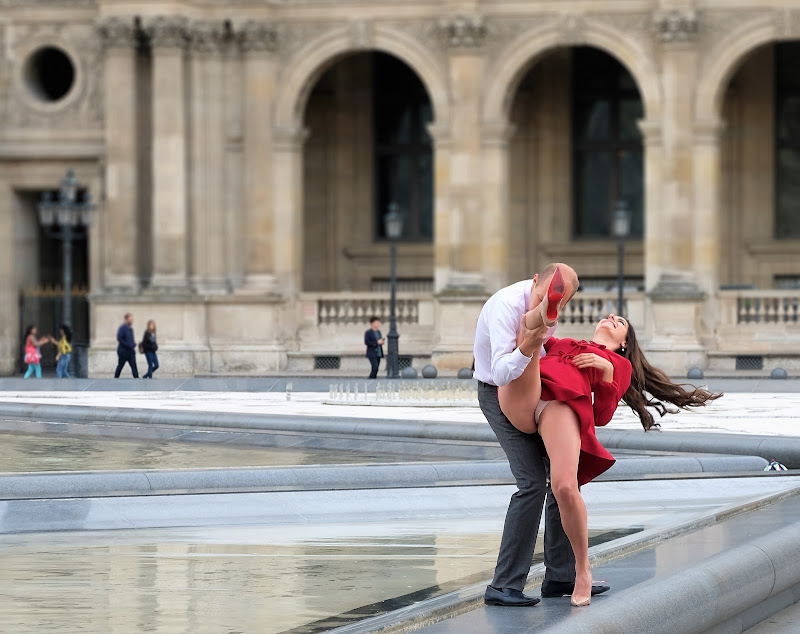 Parigi con le gambe aperte di tonino_de_rubeis