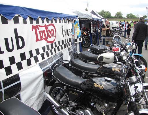 le-stand-du-triton-club-de-france-a-l-iron-bikers-2014