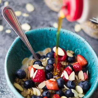 Berry Almond Breakfast Quinoa (Make Ahead).