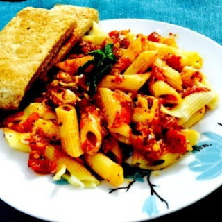 Pasta Arrabiata (Say No-Cheese)