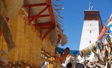 Photo: Tashilungpo Gompa, doing the kora ...
