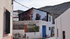 Uno de los grafitis que se pueden ver en Vícar.