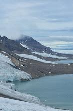 Photo: Front de glace se jetant dans la mer