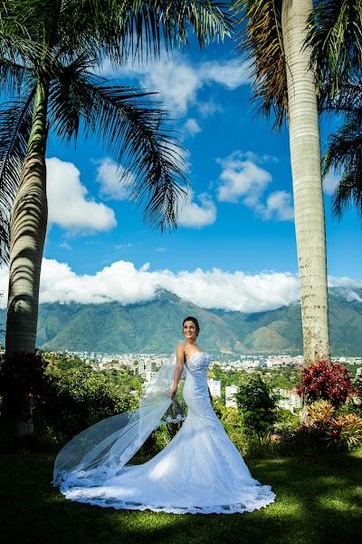 Wedding photographer Victor Rodriguez urosa (victormanuel22). Photo of 07.01.2020