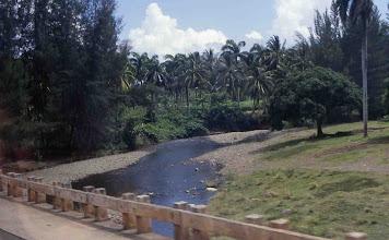 Photo: Uno de los ríos que desaguan de Sierra Maestra hacia el Caribe