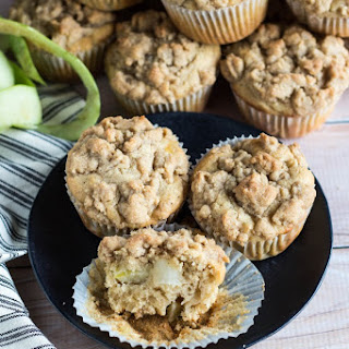 Apple-Ginger Crumb Muffins