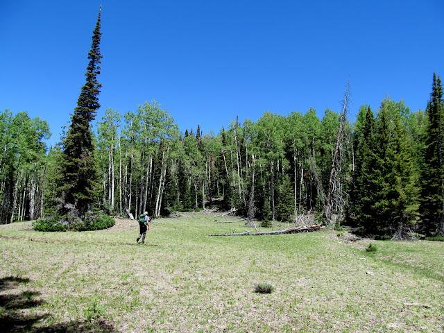 Hiking toward Twin Lakes