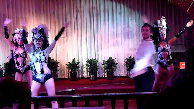 Photo: Beijing - TB dinner in russian restaurant Elephant, dance show, screenshots from video