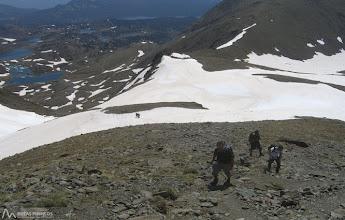 Photo: Hemos dejado atrás el Estany Glaçat y el Coll Colomer, empezamos a subir por la arista E del Carlit