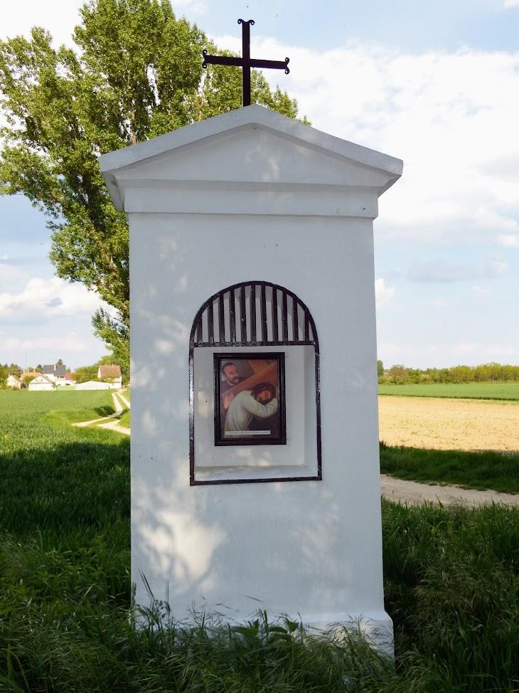 Csepreg - Nagyboldogasszony kápolna a keresztúttal