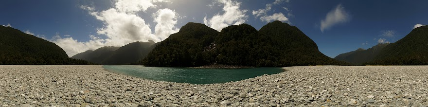 Photo: New Zealand, Southland, Mt Aspiring National Park, Roaring Billy Falls