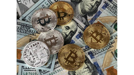 Bitcoin arbitrage opportunity in South Africa Source: https://www.pexels.com/photo/round-silver-and-gold-coins-730564/