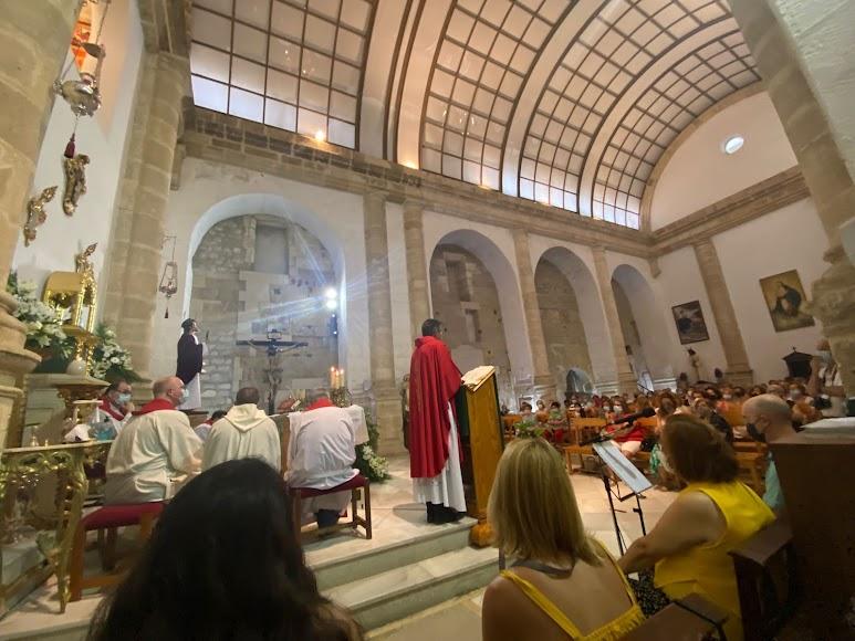 San Juan, abarrotada en la toma de posesión del nuevo párroco.