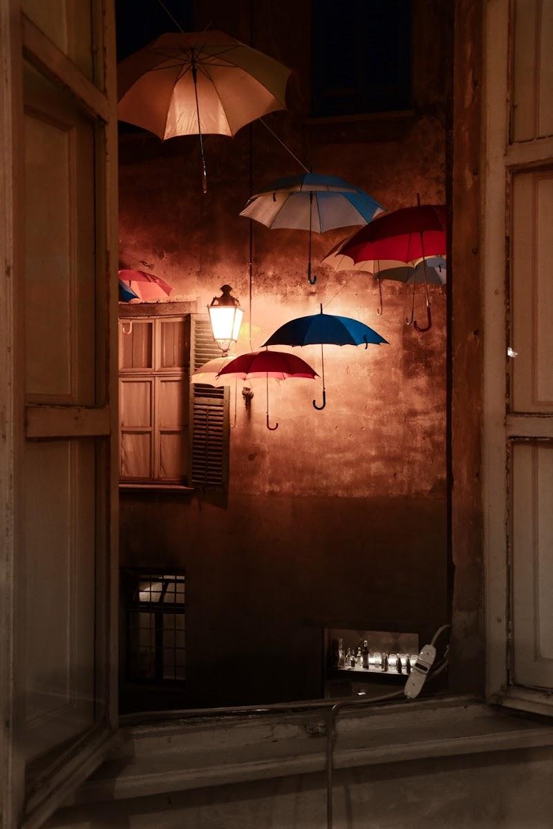 Piove luce in camera di Edoard Basile