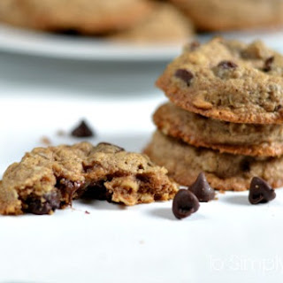 Amazing Healthy Oatmeal Chocolate Chip Cookies.
