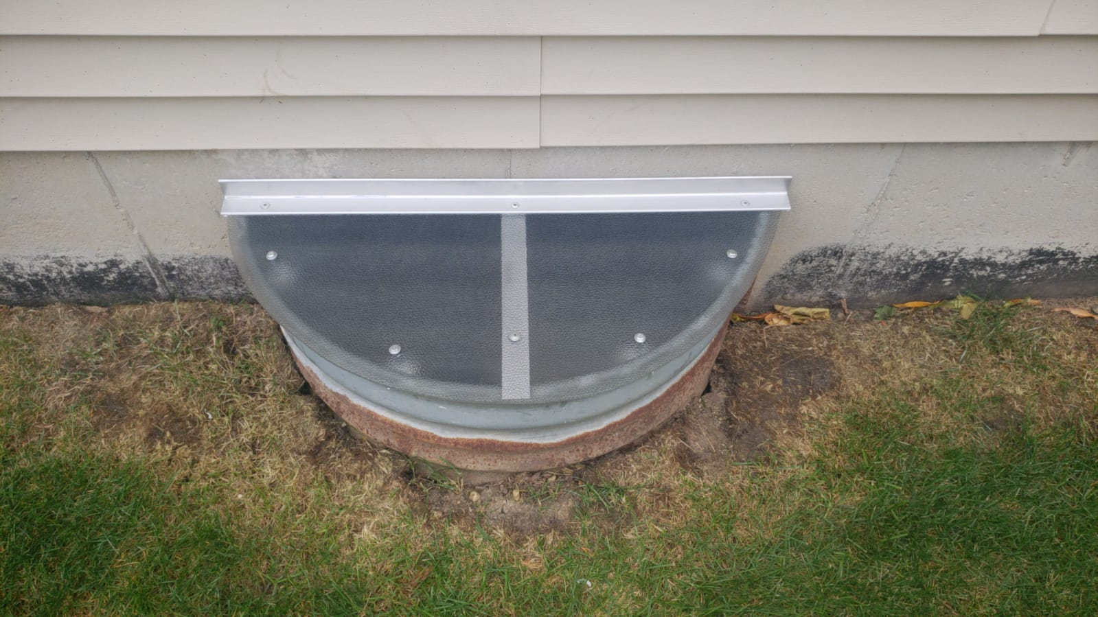 Park Ridge, IL-HandyManny Custom Window Well Covers