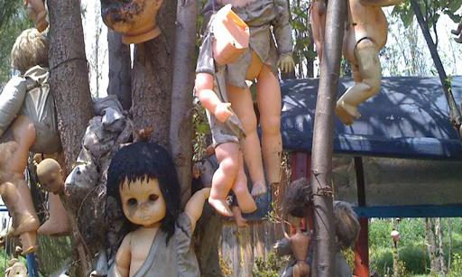 人形の島からの脱出