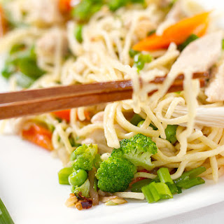 Stir fried noodles with Chicken and oyster mushrooms.