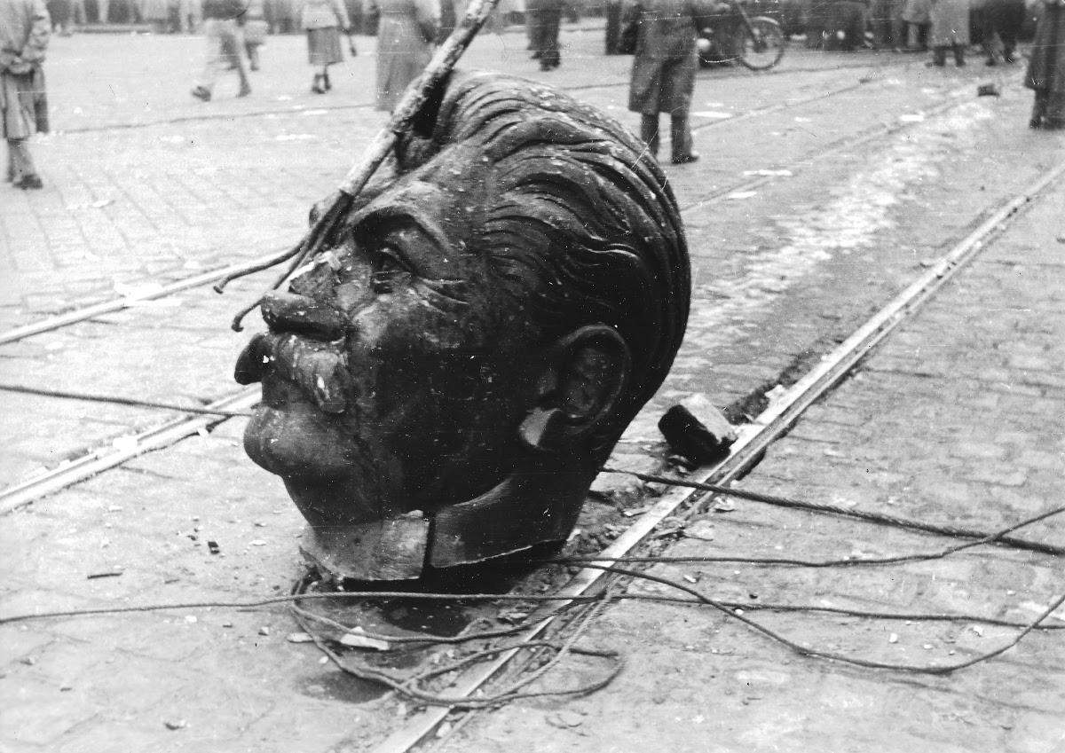 A Sztálin-szobor ledöntése - National Széchényi Library — Google Arts &  Culture