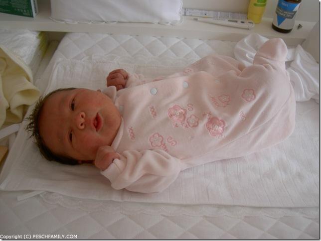 PICT7148 - Baby Pesch is weer gekalmeerd
