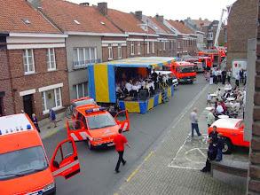 """Photo: Om de 2 jaar organiseert de brandweer van Zottegem een opendeurdag. Deze keer was het centrale thema """"verkeersveiligheid"""". Opus 7 zorgde voor een gesmaakt aperitiefconcert."""