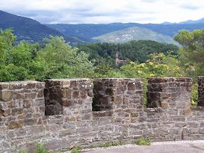 Photo: Zamek w Gorizia usytuowany jest na wzniesieniu, blisko granicy ze Słowenią.  I właśnie widok w kierunku północno-wschodnim, na rezydencję z wieżą widokową,  w parku botanicznym Pristava (przedmieście Nova Gorica).