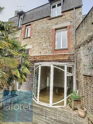 Vente maison 10 pièces 260,82 m2