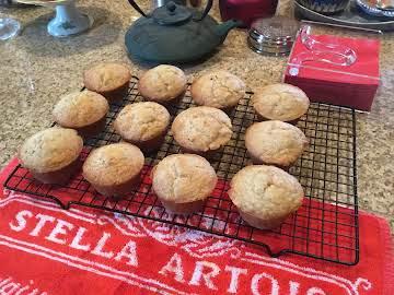 Applesauce Cardamom Muffins
